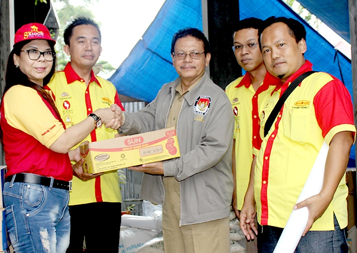 Malindo Participated In Easing The Suffering Of The Victims Of Landside In Karangkobar