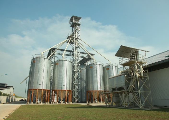 Absorp Local Corn, Malindo Build New Silo and Corn Dryer Machine